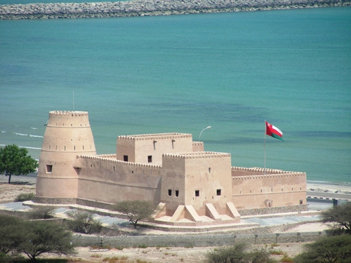 A fort on the way to Khassab. Didnt get the name of it, but its well into Oman after the checkpoint