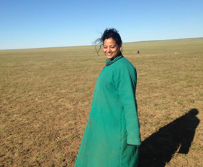 traditional Mongolian dress