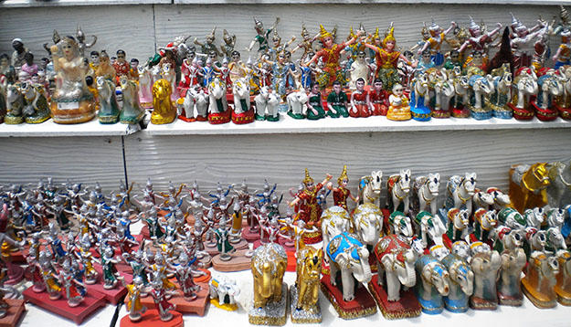 souvenirs in pattaya